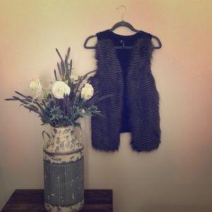 Faux fur/ feather detail vest